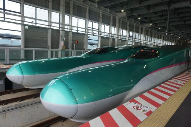 ▲新函館北斗に到着した「はやぶさ」