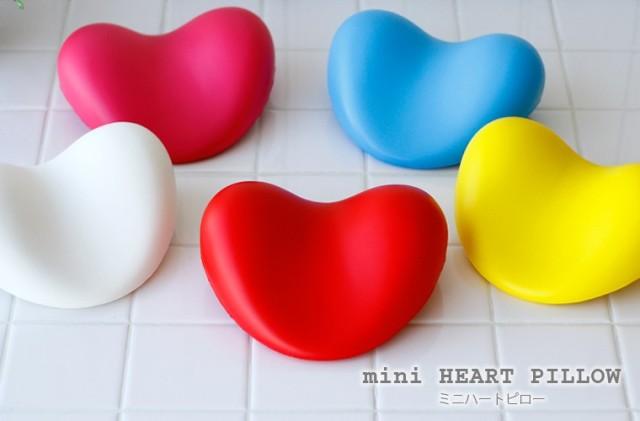 mini-heart-pillow